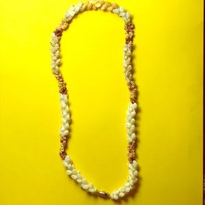 SALE!!! Kahelelani & Momi shell necklaceNWT for sale